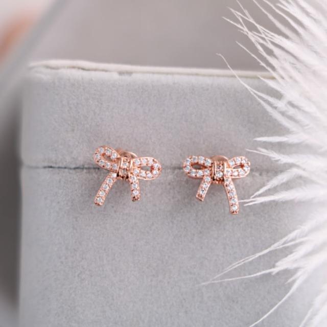 【DINA 蒂娜珠寶】玫瑰結 CZ鑽造型耳環(CS2359)