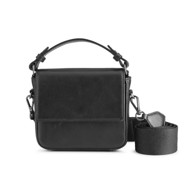 【MARKBERG】Adora 丹麥手工牛皮潮流寬帶小手提包 斜背包(簡約黑)