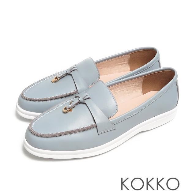【KOKKO 集團】簡約鎖結彈力彎折輕量牛皮平底休閒鞋(水藍色)