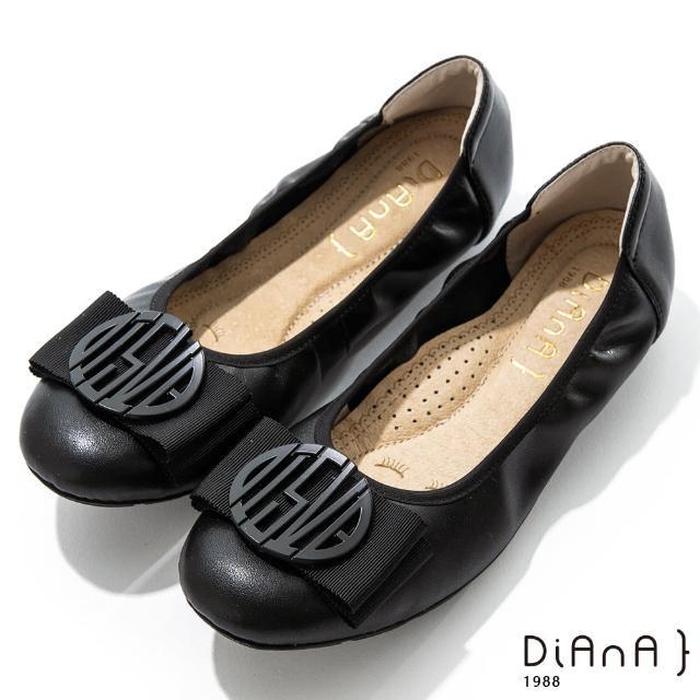 【DIANA】2cm質感牛皮幾何圖騰蝴蝶結飾釦娃娃鞋-漫步雲端焦糖美人(黑)