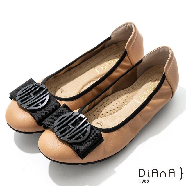 【DIANA】2cm質感牛皮幾何圖騰蝴蝶結飾釦娃娃鞋-漫步雲端焦糖美人(淺棕)