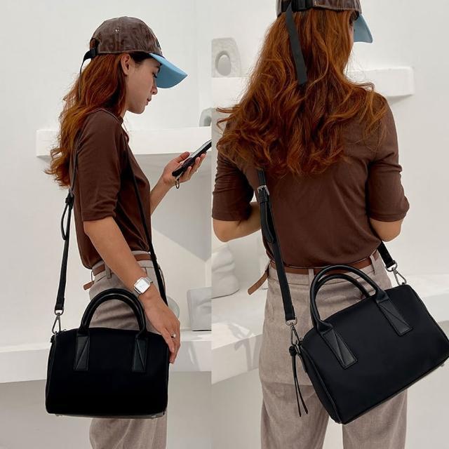 【JC Collection】經典優質大方有型輕量大口袋大容量手拿包側肩包斜背包(黑、卡其)