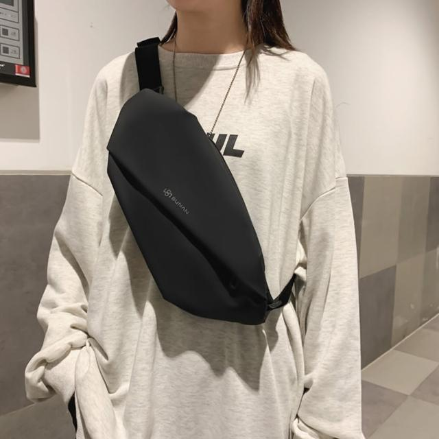【I FUN】現+預 街頭風男女款帆布胸包(胸包/隨身包/運動包)