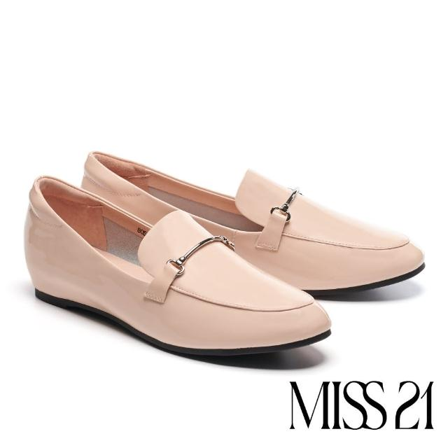 【MISS 21】復古時尚金屬條釦全真皮樂福低跟鞋(米)