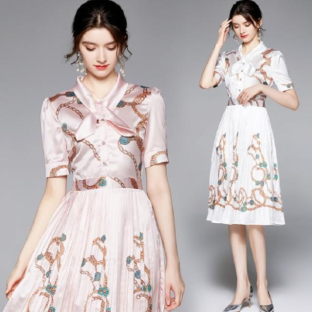 【A'bella 艾貝菈】光澤緞面繩索印花擺摺綁結洋裝(兩色/M-2XL)