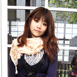 【Lus.G】個性棉麻格菱紋圍巾共4色