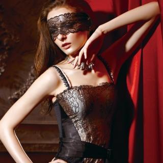 【La Felino】墬入情網1/2隱鋼式罩杯款B-D罩杯馬甲(華麗黑)