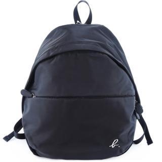 【agnes b.】金屬b素面後背包(黑)