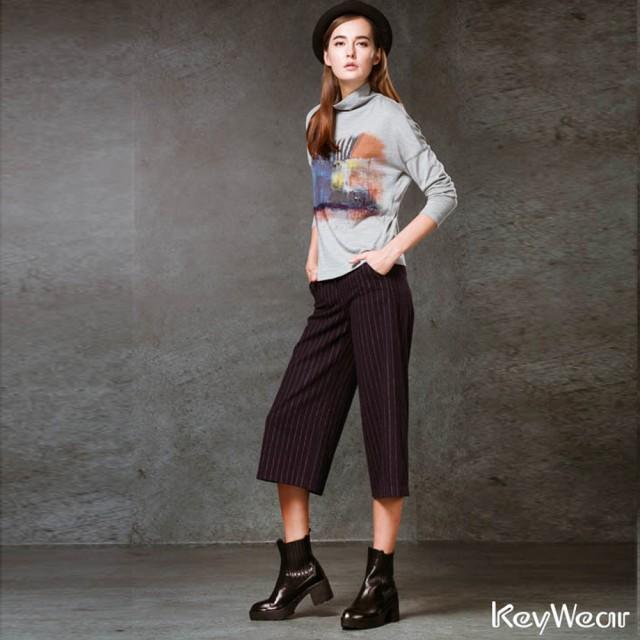 【KeyWear奇威名品】簡約色織條紋寬管七分褲