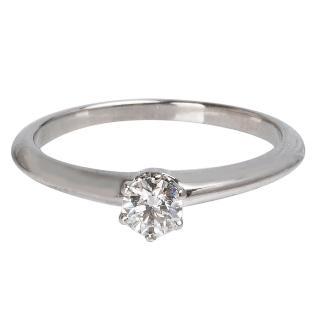 【Tiffany&Co. 蒂芙尼】PT950圓型六爪0.18克拉鑽石戒指(Q02121338#6)