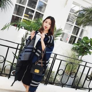 【梨花HaNA】經典英倫格紋冷豔氣質藍色格紋斗篷披肩圍巾