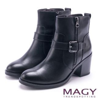 【MAGY】紐約街頭時尚 個性騎士皮帶釦環粗跟短靴(黑色)