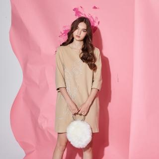 【ICHE 衣哲】喀什米爾羊毛立體手工釘珠造型洋裝-奶茶色