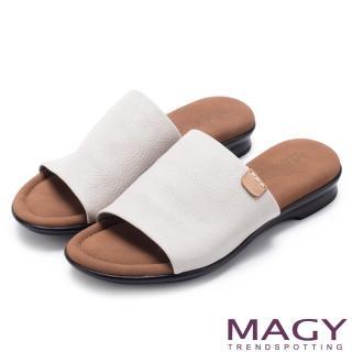 【MAGY】簡約夏日 超軟皮革寬版一字平底拖鞋(灰色)
