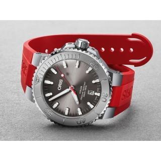 【ORIS 豪利時】水鬼 Aquis Relief 日期潛水機械錶-灰x紅色錶帶/43.5mm(0173377304153-0742466EB)