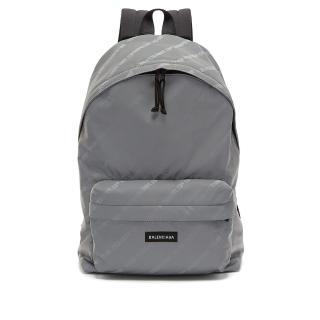 【Balenciaga 巴黎世家】3M反光 經典品牌 Logo Nylon 尼龍 後背包 灰色(後背包 經典款)