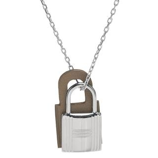 【Hermes 愛馬仕】經典O Kelly系列鎖頭造型吊墜項鍊(小-赭色X銀H078852CK-ETOUPE)