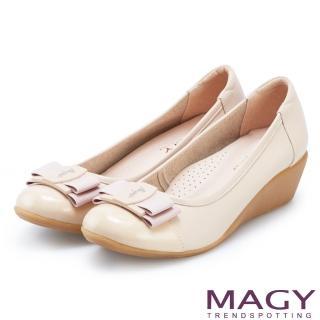 【MAGY】甜美混搭新風貌 雙材質真皮楔型中跟鞋(裸色)