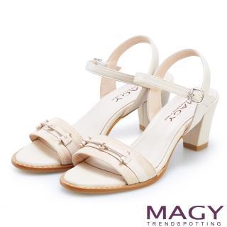 【MAGY】夏日甜美時尚 牛皮拼接布面一字粗跟涼鞋(粉裸)