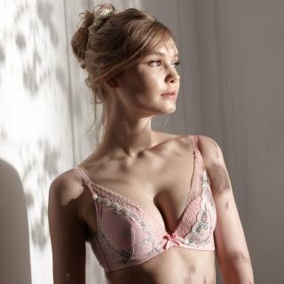 【La Felino 羅絲美】玫苜傳情泡棉款B-D罩杯內衣 - 甜美粉
