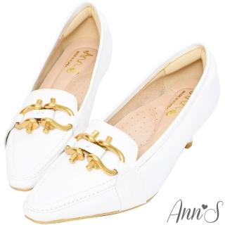 【Ann'S】古銅雙馬蹄扣真皮牛皮低跟包鞋5.5cm(白)